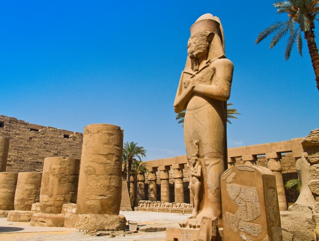 Statue am Karnak-Tempel in Luxor